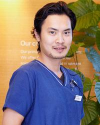杉田 彰久(歯周外科)